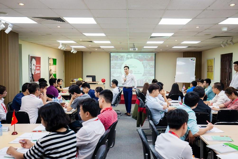 Dàn âm thanh và ánh sáng cực chất trong lớp học của VietMoz